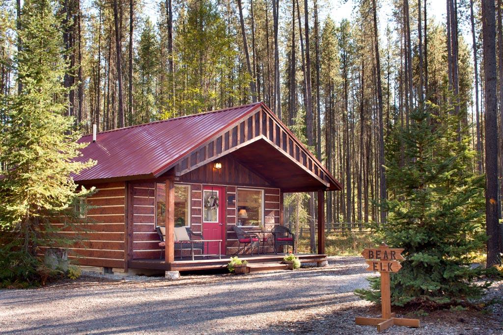 Reclusive moose cabin photos galleries reclusive moose for Glacier national park cabin rentals